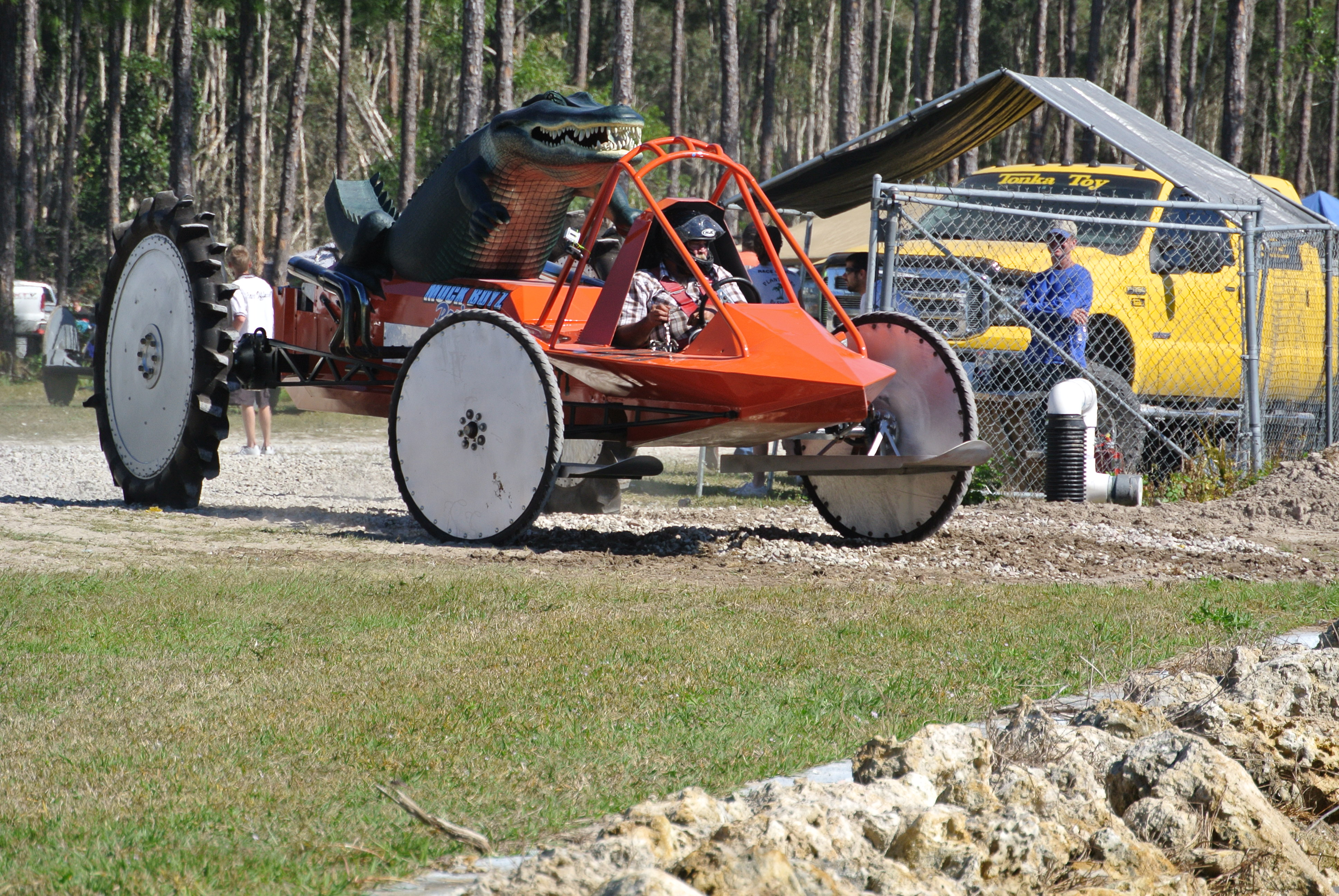 Mud Truck 1920 : Back to the mile of mud… naples swamp buggy races