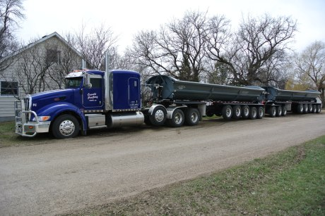 Bagged the elusive Seventeen Axle South Dakota Roadtrain...