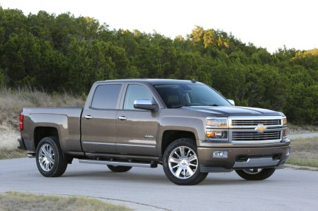 2014-Chevrolet-SilveradoHighCtry-077-medium